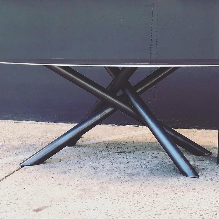 TABLE FIDJI