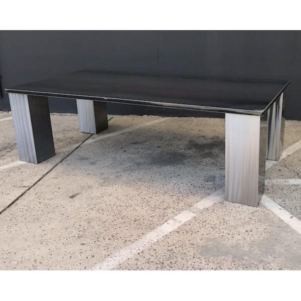 TABLE IBIZA